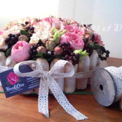 gâteau floral rose pastel