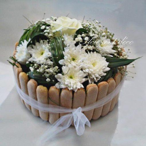 Gâteau floral , tout blanc