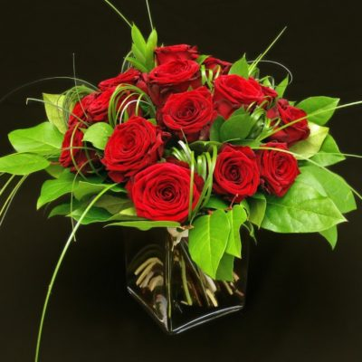 Bouquet rond de roses rouges